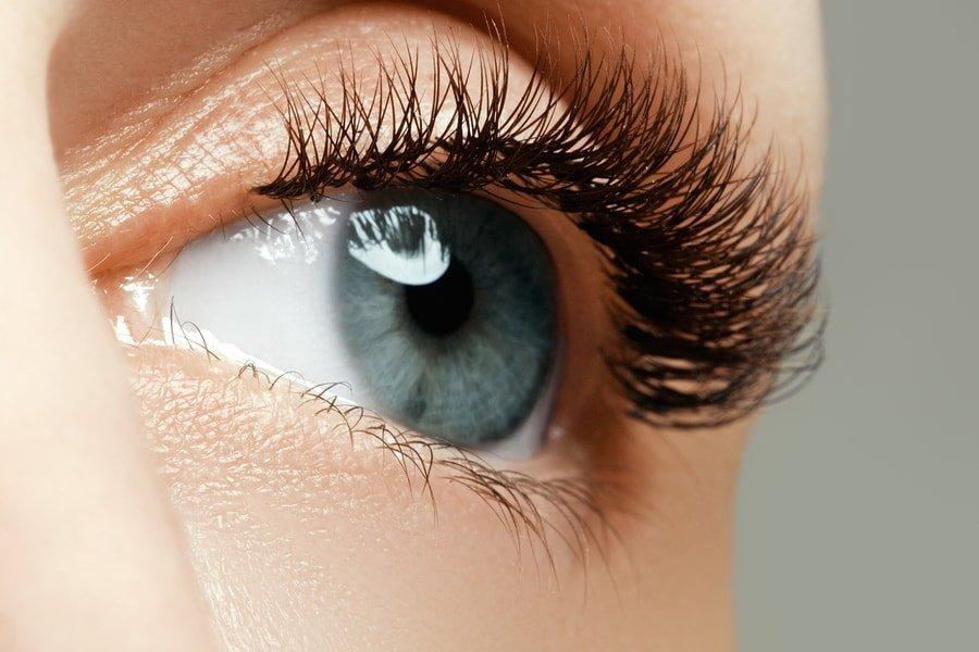 bigstock-female-eye-with-long-eyelashes-141193190-min