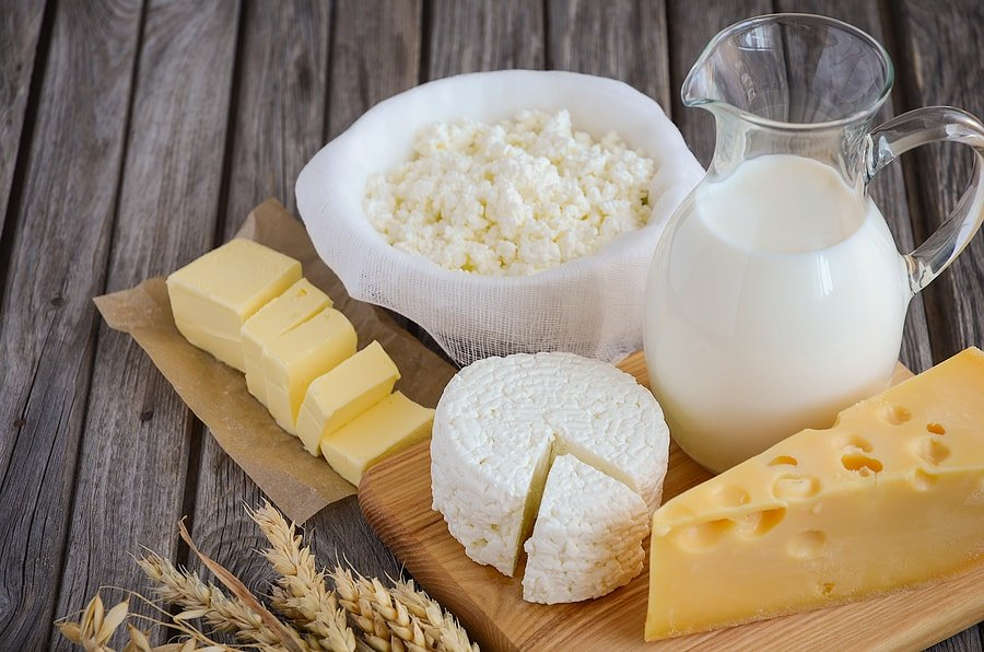bigstock-fresh-dairy-products-milk-ch-114222653-min