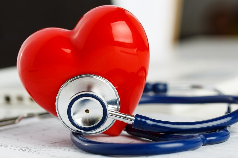 bigstock-medical-stethoscope-head-and-r-104167844-min