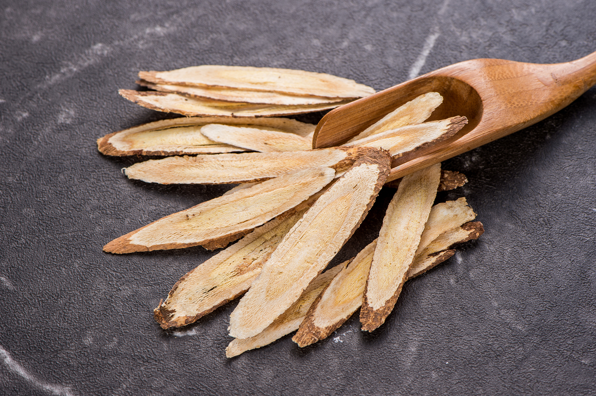 Can-Astragalus-Help-With-Coronavirus