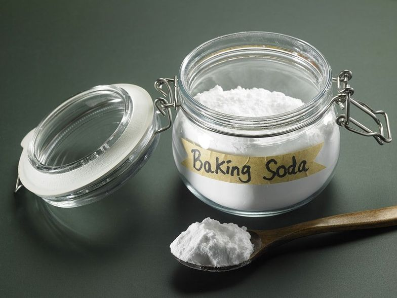 10 Uses of Sodium Bicarbonate (Baking Soda) + Side Effects